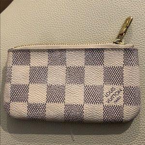 Louis Vuitton damier pouch